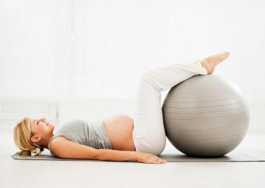 Risultati immagini per pilates in gravidanza